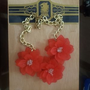 Red flower necklace 🌹🌹💐💐💐💐🌺🌺🌺